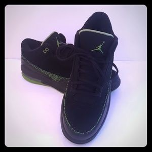 Collectible Jordan 2.5 Team Blk/Grn BBall Shoes
